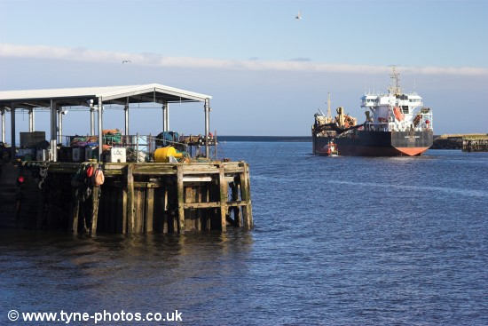 Dredger Sand Fulmar leaving the River Tyne.